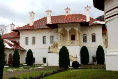 manastirea-brancoveanu-20-Custom